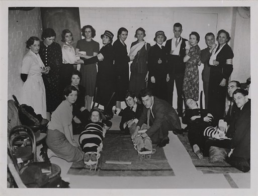 First Aid Class in Dolphin Square (Copyright: Westminster City Archives)